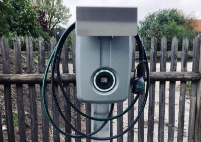installierte_evbox_e-auto_ladestation_muenchen
