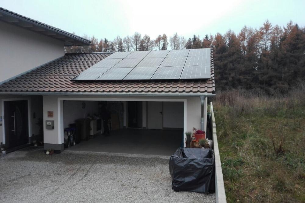 photovoltaikanlage_garagendach_dachziegel_muenchen