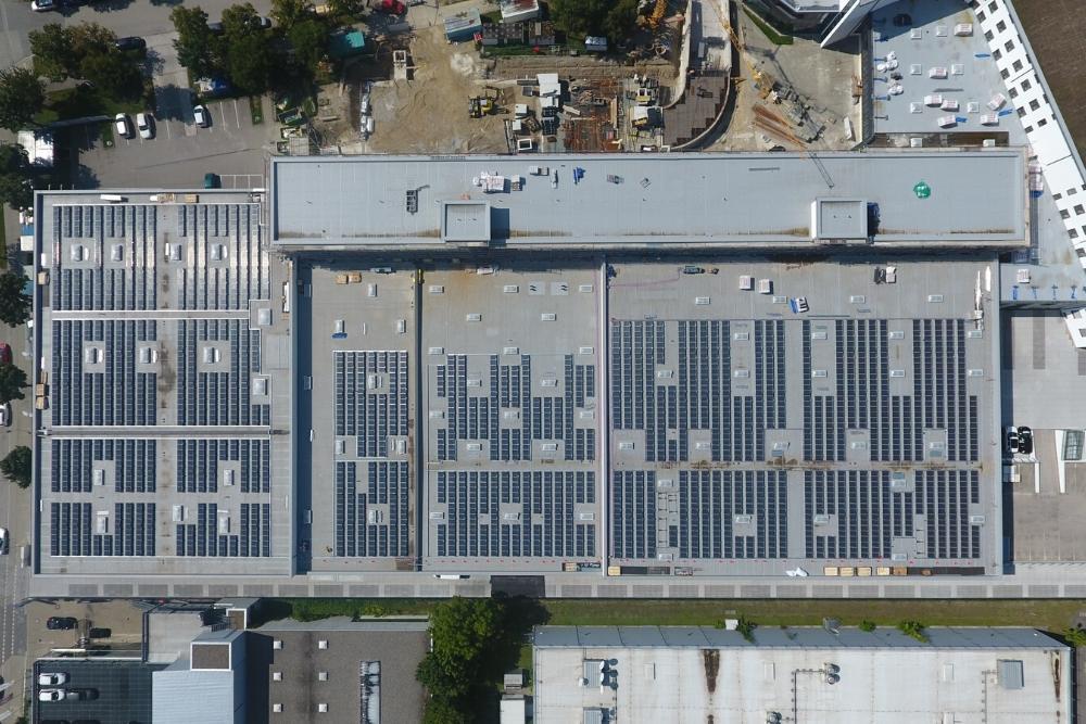 grossanlage_photovoltaik_unternehmen_flachdach_muenchen