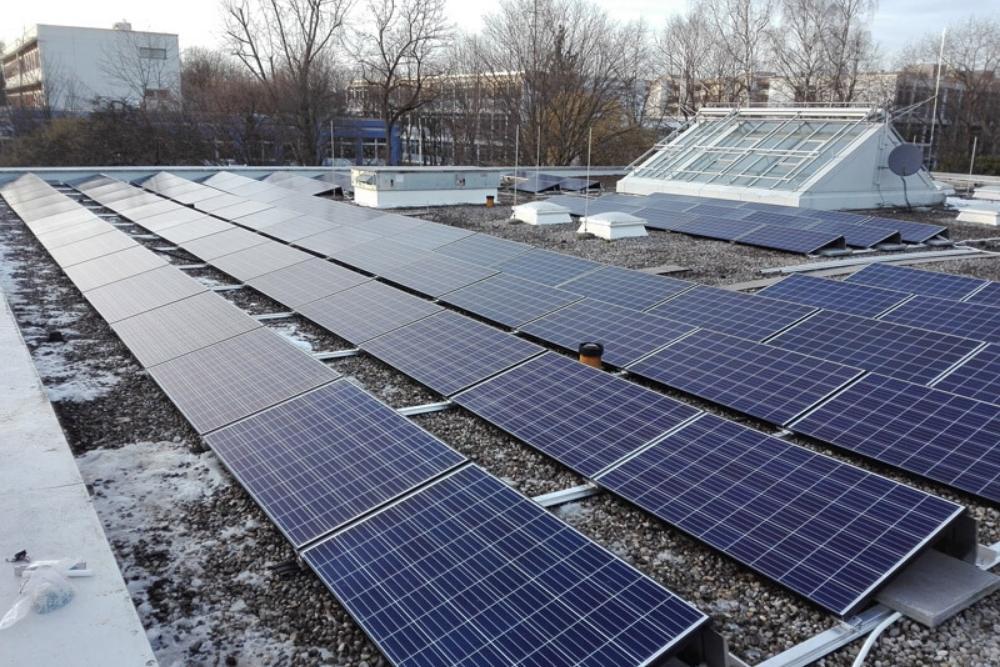 flachdach_kiesel_montage_photovoltaikanlage