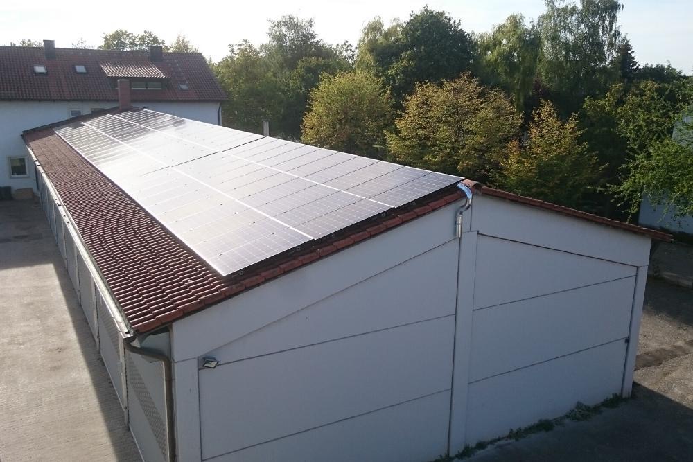 lagerhalle_dach_photovoltaikanlage_emondo