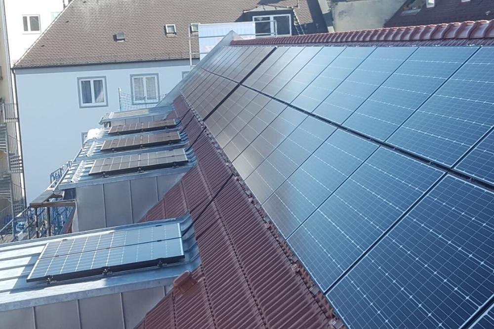 Photovoltaikmodule_stadtgebäude_muenchen
